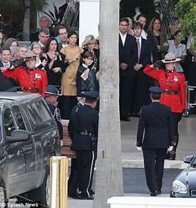 Leslie Nielsen funeral: Naked Gun theme song plays as ...