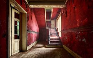 Red walls inside the abandoned house wallpapers and images ...