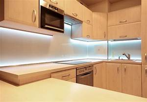Led Leuchte Küche : led beleuchtung k che cd33 hitoiro ~ Whattoseeinmadrid.com Haus und Dekorationen
