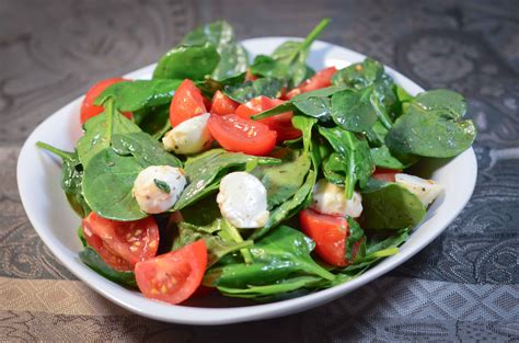 cuisine salade tomato spinach salad my food family