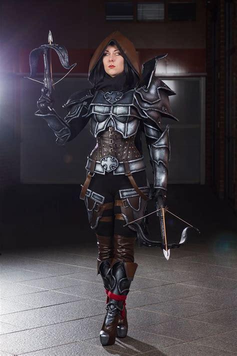 diablo  female demon hunter cosplay  karoliina  bones
