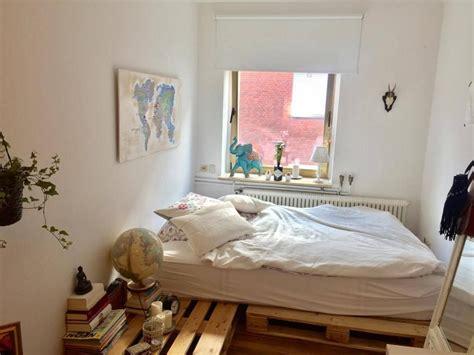 Ideen Fürs Zimmer praktische diy idee f 252 rs wg zimmer bett nachttisch aus