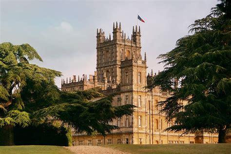 stay   downton abbey castle    news canada