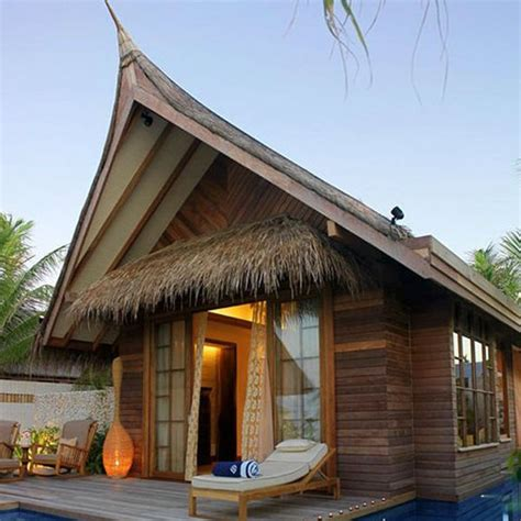 Palapa Thatch by Synthetic Thatched Tiki Hut Palapa Thatch Thatch Tiles