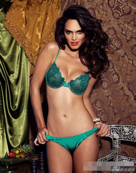 Fotos de la supermodelo brasileña Lisalla Montenegro ...