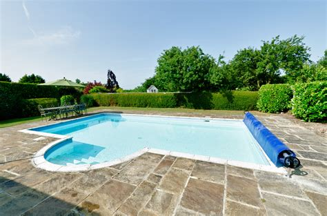gardens pool accommodation swimming pool in south Kent