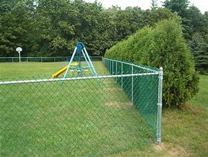Decorating: Great Garden Fence With Chain Link Fence Slats