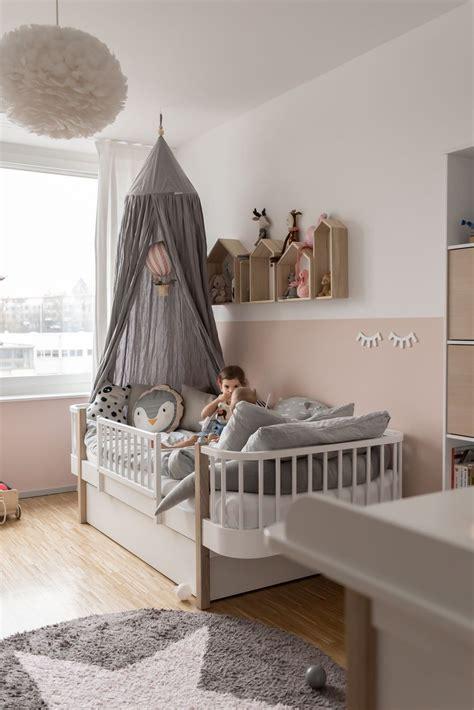 Kinderzimmer Mädchen Einrichten by Unser Kinderzimmer Und 5 Tipps F 252 R Mehr Atmosph 228 Re