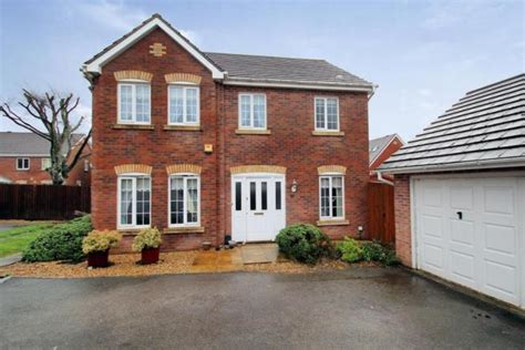 3 Bedroom Semi Detached House For Sale by 4 Bedroom Detached House For Sale In Woodland View St