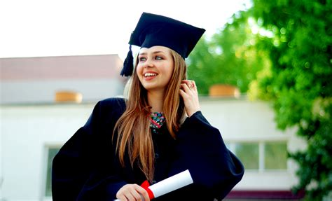 Eight Reasons To Start Your Own Business When You Graduate