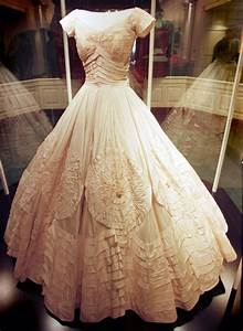december 2011 lovely heritage With jackie o wedding dress