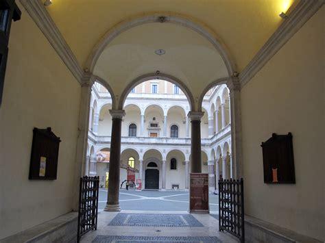 Il Cortile Roma by File Palazzo Della Cancelleria Roma Cortile 01 Jpg