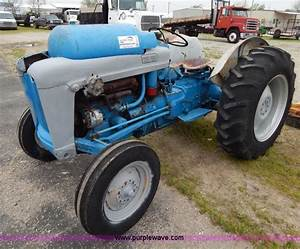 Ford 801 Powermaster Tractor