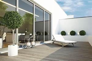 terrasse puristisch gestalten so richten sie moderne With französischer balkon mit moderne skulpturen für den garten
