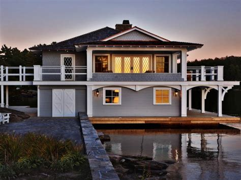 Boathouse Sully by Residential Brian Gille Architects New Orleans