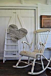 Chaise A Bascule Blanche : la chaise bascule en 60 photos pour une inspiration ~ Teatrodelosmanantiales.com Idées de Décoration