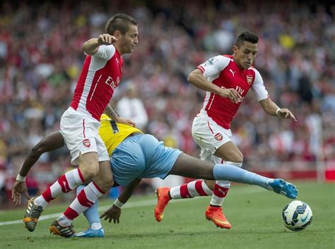 Arsenal news: Alexis Sanchez debut slammed as 'awful' by ...