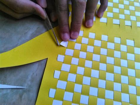 membuat anyaman  kertas  mudah  sederhana