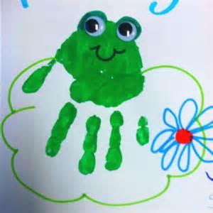 Handprint Frogs Crafts Preschool