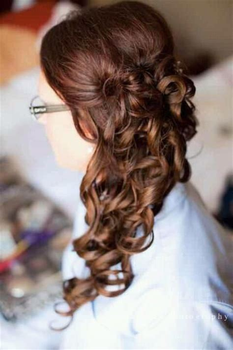 unique bridesmaid hairstyles