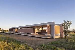 Farbe Für Beton Aussen : rote klinkersteine und beton f r innen und au en haus in brasilien ~ Eleganceandgraceweddings.com Haus und Dekorationen