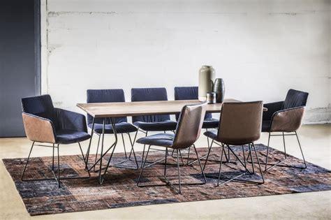 chaises 4 pieds design contemporain pour ces 4 chaises cuir ou velours