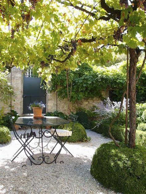 table et chaises de jardin pas cher table basse de jardin pas cher maison design bahbe com