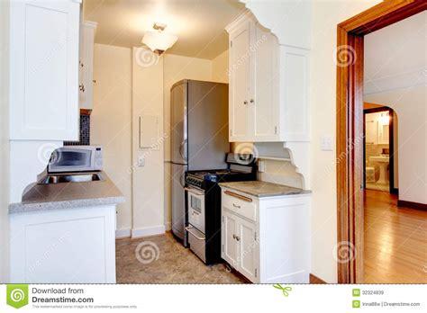 am駭agement cuisine petit espace vieille cuisine blanche d appartement images libres