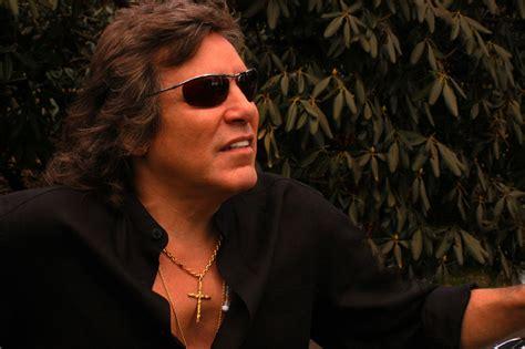 jose feliciano guitarist jose feliciano is an award winning composer and guitarist