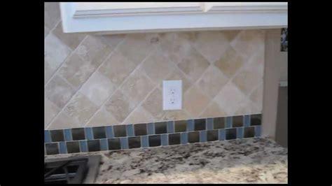 marble tile backsplash kitchen tumbled marble tile and mosaic glass tile backsplash 7372
