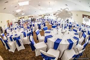 Deco Mariage Bleu Marine : beaux mariages le mariage de jennifer et ryan en bleu argent et blanc ~ Teatrodelosmanantiales.com Idées de Décoration