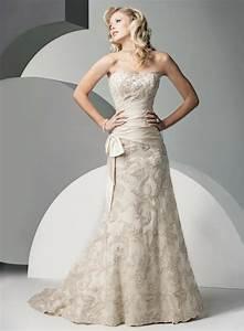 Brautkleid Mit Farbe : 45 super modelle von brautkleid mit spitze ~ Frokenaadalensverden.com Haus und Dekorationen