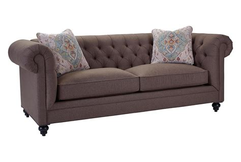 Broyhill Furniture Heath Traditional Chesterfield Sofa
