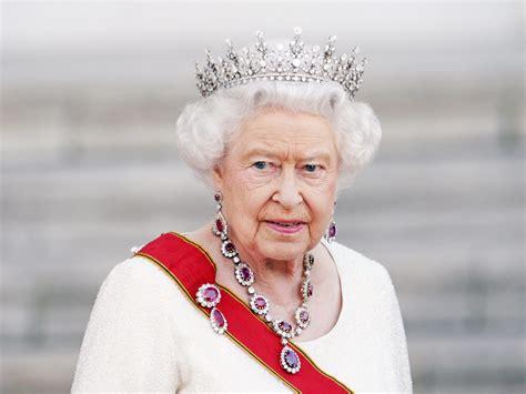 News Queen Elizabeth Succession Speculation Rant As Queen Elizabeth Turns 92