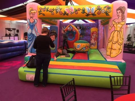 princess bouncy castle hire essex london