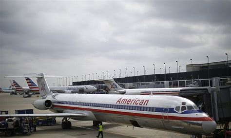 american airlines resumes flights after planes to dallas