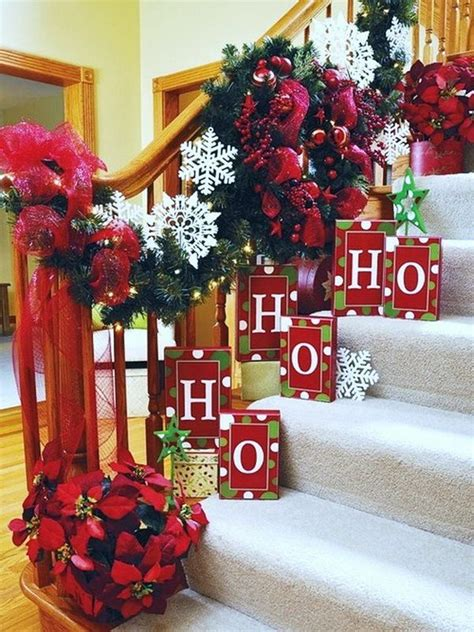 brilliant christmas staircase decorations