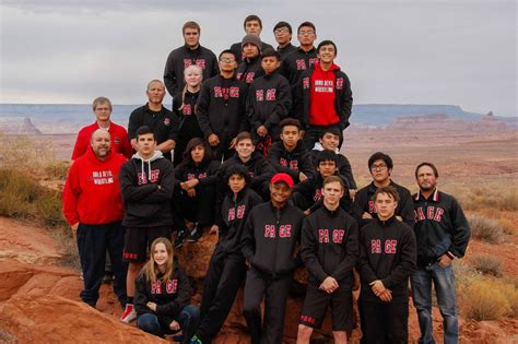 gold   wrestlers team takes    state