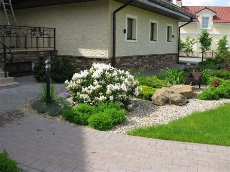 Vorgarten Ideen Pflegeleicht by Vorgarten Gestalten Pflegeleicht Weisser Rhododendron Kies