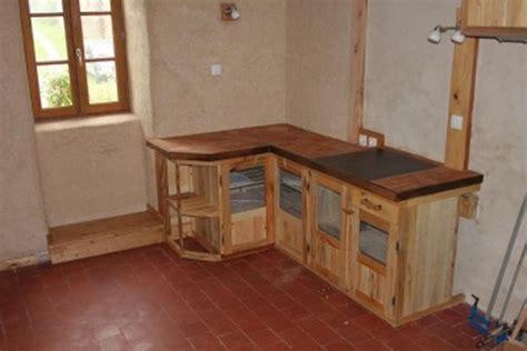 refaire cuisine en bois cuisine en bois palette maison moderne
