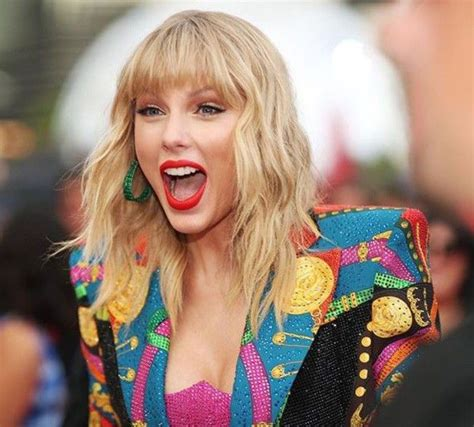 taylor swift reaction pic | Taylor swift hot, Taylor ...