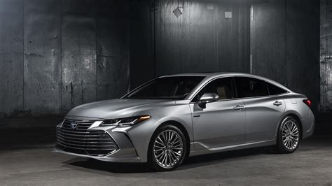 2019 Toyota Avalon Dumps The Frump, Adds New Tech For