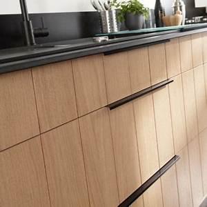 Poignée Placard Cuisine : poign e cuisine noire table de cuisine ~ Teatrodelosmanantiales.com Idées de Décoration