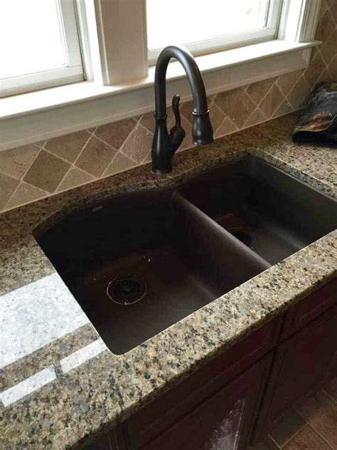 love   travertine   splash installed   angle granite counter tops
