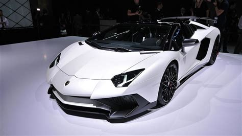 lamborghini aventador sv roadster top speed