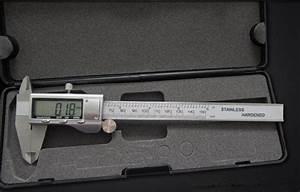 Digital Caliper 0 200mm  0 01 8 Inch Lcd Digital Stainless
