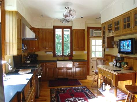 what to do with soffit above kitchen cabinets a decorative way of dealing with soffit space in a kitchen 2244