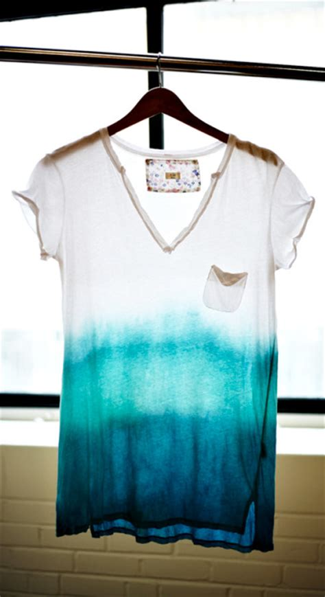 Harris Sisters Girltalk Diy Project How To Dip Dye A T Shirt