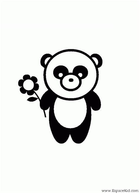 coloriage panda tenant une fleur  imprimer dans les