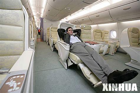 des h 244 tesses de l air singapouriennes laissent voir l int 233 rieur de l airbus a380 china org cn